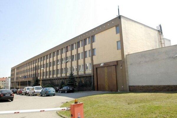 Košická väznica na Floriánskej ulici sa tento týždeň stala terčom anonyma tri dni po sebe.