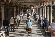 Omša v milánskom kostole La Fontana.
