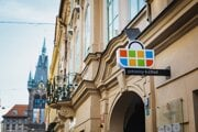 Sieť Žabka má v Česku viac ako sto predajní.