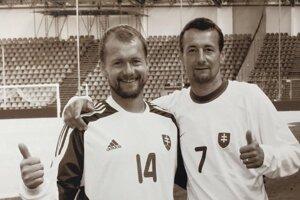 S bratom Vladimírom (vpravo) sa stretli vreprezentačnom mužstve.