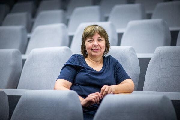 Prof. Mgr. Darina Smržová je dekankou Filmovej a televíznej fakulty VŠMÚ od októbra 2018.