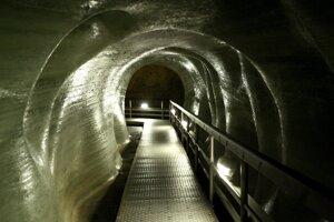 Dobšinskú ľadovú jaskyňu objavili pred 150. rokmi. Dnes patrí k najvýznamnejším na celom svete.
