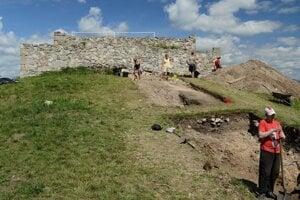 Komitátny hrad na Pustom hrade.