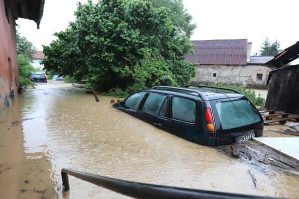 Potopa vo Zvolenskej Slatine.