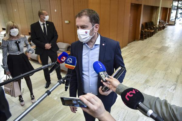 Predseda vlády SR Igor Matovič počas príchodu na 128. rokovanie Bezpečnostnej rady SR.