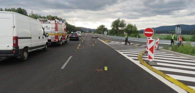 Miesto tragickej dopravnej nehody, pri ktorej zahynul motocyklista.