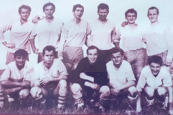 Prvé mužstvo TJ Tatran Klin z roku 1967.