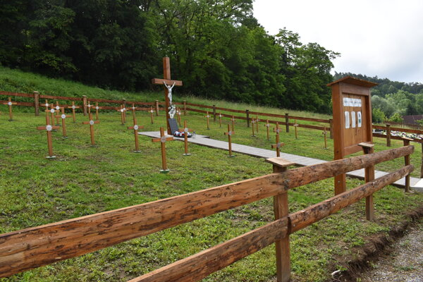 Vojenský cintorín v Turanoch nad Ondavou.
