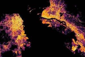 Satelitný pohľad na nočné San Francisco.