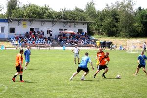 Ihrisko v Ivanke dnes zaplnili účastníci tradičného turnaja.