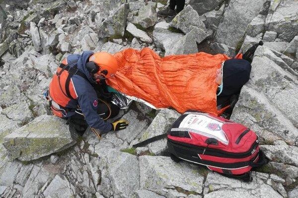 Zranená turistka na Rysoch.