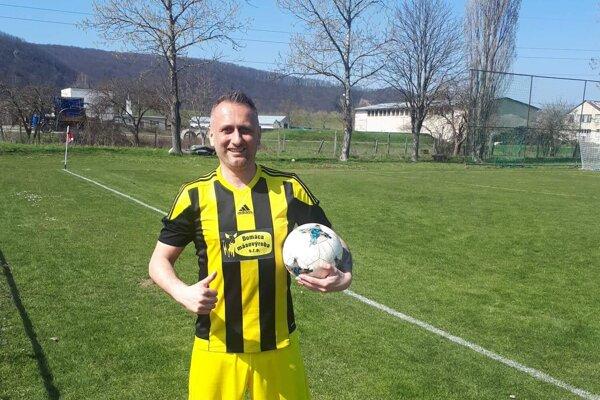 Ikona kopaničiarskeho futbalu Vladimír Kročian v drese Brestovca.