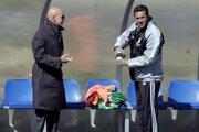 Vtedajší tréner Realu Madrid Vanderlei Luxemburgo (vpravo) a športový riaditeľ klubu Arriago Sacchi v roku 2005.