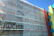 Práce pokračujú podľa plánu, celá stavba by mala byť hotová o štyri mesiace.