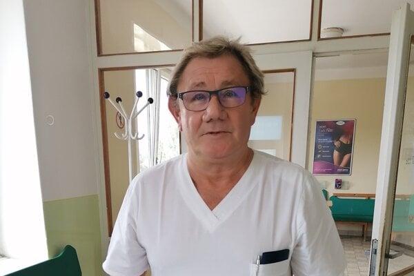 Bývalý primár gynekologicko-pôrodníckeho oddelenia v bojnickej nemocnici.