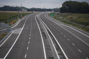 Otvorenie rýchlostnej cesty R7 Holice - Ketelec a časti diaľnice D4 Ketelec - Rovinka pri obci Dunajská Lužná 19. júla 2020.