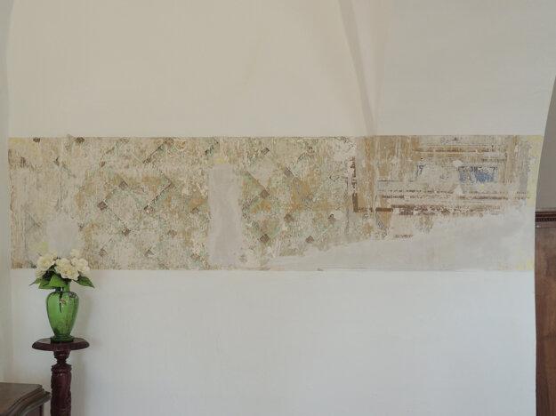 Pri rekonštrukcii priestorov našli secesné fresky.