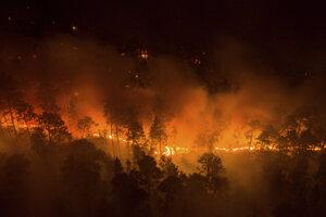 Lesný požiar v regióne Krasnojarsk z piatka 17. júna.