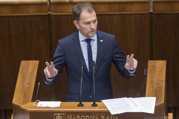 Premiér Igor Matovič počas svojho vystúpenia v parlamente.