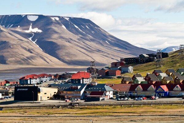 V špicberskom meste Longyearbyen v sobotu namerali nový teplotný rekord 21,7 stupňa Celzia.