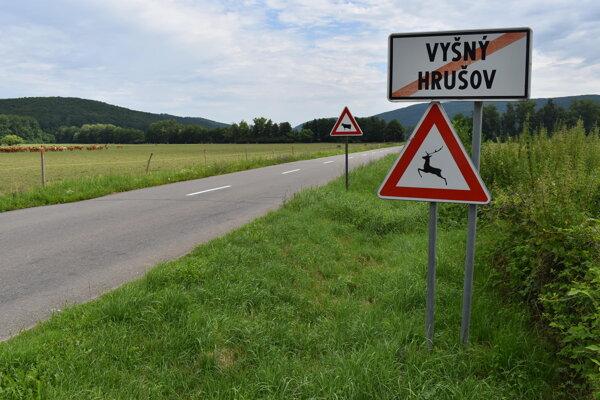 Hovädzí dobytok z farmy vo Vyšnom Hrušove chovatelia chystali na predaj do Turecka. Prekazili im to horúčavy.