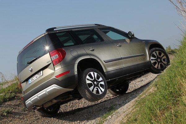 Škoda Yeti predvádza svoje schopnosti v ľahkom teréne. Na prvé foto očakávaného modelu si musíme ešte počkať.