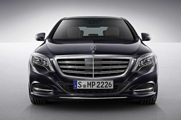 Mercedes-Bnez S600 ostane najluxusnejším modelom značky až do predstavenia verzie Maybach v novembri.