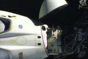 Modul SpaceX Dragon sa od ISS odpojil 430 kilometrov nad juhoafrickým Johannesburgom.