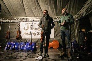 Igor Matovič a Richard Sulík počas protestného podujatia s názvom Slávnostné odnímanie titulu JUDr. Andrejovi Dankovi v januári 2019.