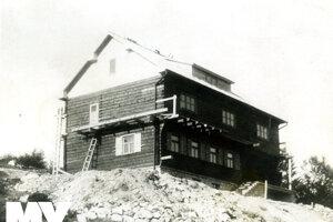 Aj Chata na Kľačianskej Magure je projektom architekta Jozefa Kozu.