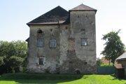 Šľachtická kúria zo 16. storočia.