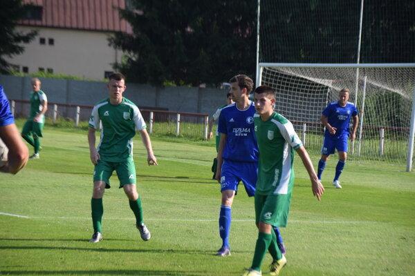 Tomáš Gavlák (v úzadí) strelil jediný gól Staškova.