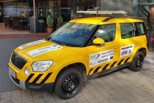 Vozidlo, ktorým monitorovali bezpečnosť takmer 2500 km ciest na Slovensku.