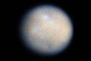 Ceres, ako vidí Hubblov vesmírny ďalekohľad.