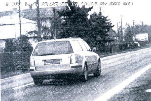 Auto, na ktorom vodič prekročil povolenú rýchlosť.