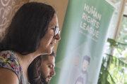 Riaditeľka Ligy za ľudské práva Barbora Meššová a zástupca cudzineckej komunity pôvodom z Iraku Ameer Ghareeb.