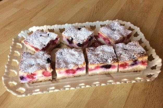 Tvarohovo-ovocný koláčik