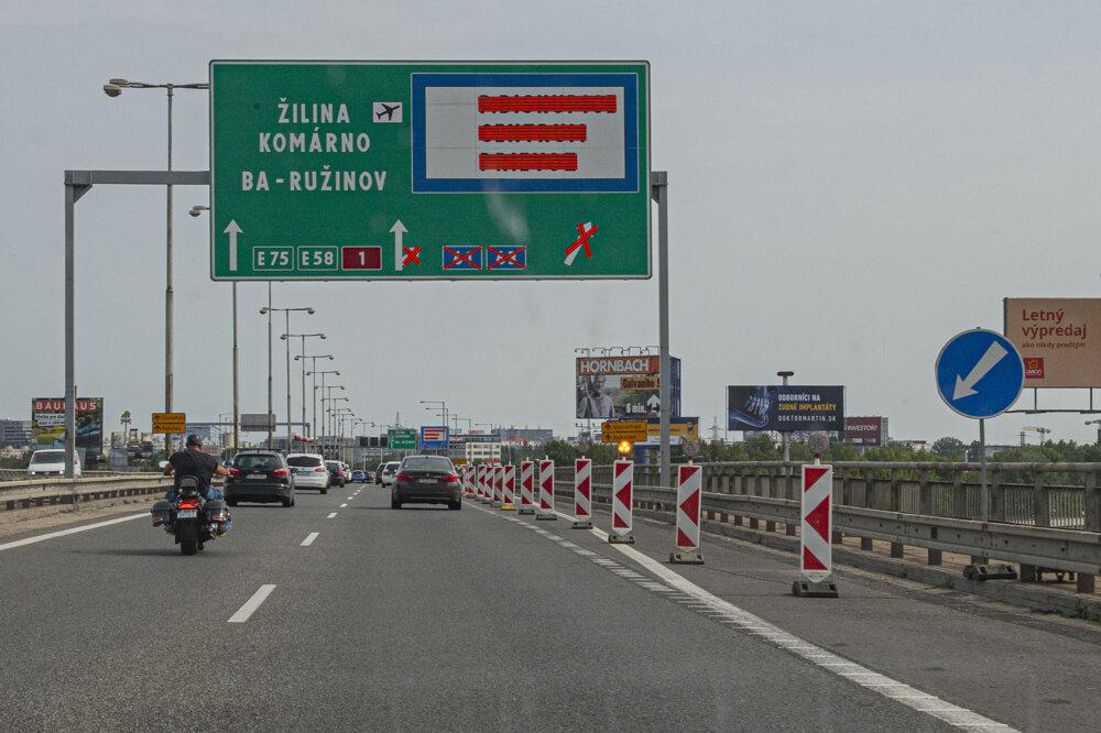 V Bratislave uzatvorili 15. augusta zjazd z Prístavného mosta na Bajkalskú a Slovnaftskú ulicu v smere z Petržalky.
