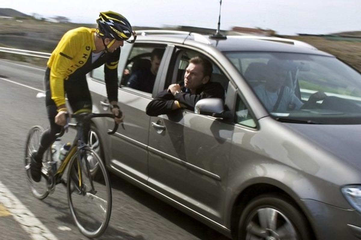 5a5c9583b Policajti narazili aj na cyklistov, ktorí išli príliš rýchlo - auto ...