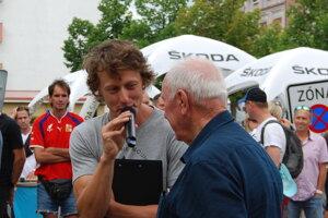 Martin Hačecký je bývalý český cyklista a komentátor Eurosportu.