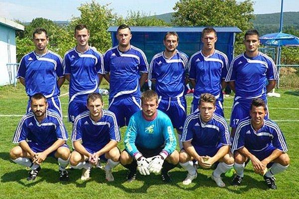 Takto nastúpili Vráble na prvý turnajový zápas v Kozárovciach proti Novej Bani.
