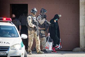 Alena Zsuzsová odchádza z väznice v Leopoldove po vynesení rozsudku z pojednávania v kauze vraždy Jána Kuciaka a Martiny Kušnírovej.
