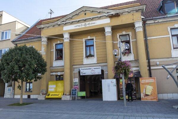 Trnavská charita sídli v tejto budove v centre mesta.
