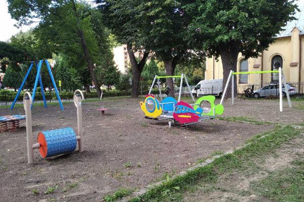Deti ešte ihrisko nemôžu využívať.