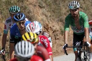 Peter Sagan (v zelenom drese) počas 2. etapy.