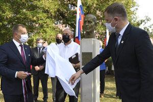 Slávnostné odhalenie pamätníka Andrejovi Hlinkovi, rímskokatolíckemu kňazovi v Košiciach v stredu 16. septembra 2020. Na snímke vľavo predseda NR SR Boris Kollár (sme rodina) a vpravo predseda Matice slovenskej (MS) Marián Gešper.