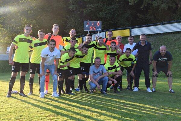 Mužstvo ŠK Belá po zápase 3. kola Slovnaft Cupu s FK Poprad.