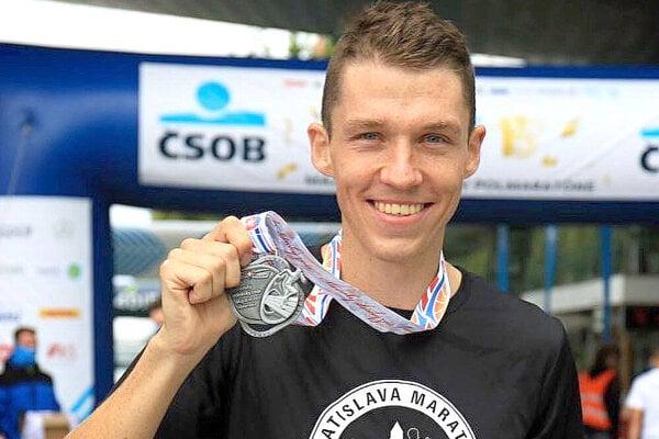 Martin Rusina sa stal vicemajstrom Slovenska v polmaratóne.