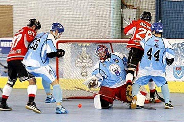 V tejto sezóne Nitra doma porazila LG 4:0, vonku prehrala 1:2.