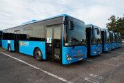 SAD Prievidza má šesť nových prímestských autobusov.